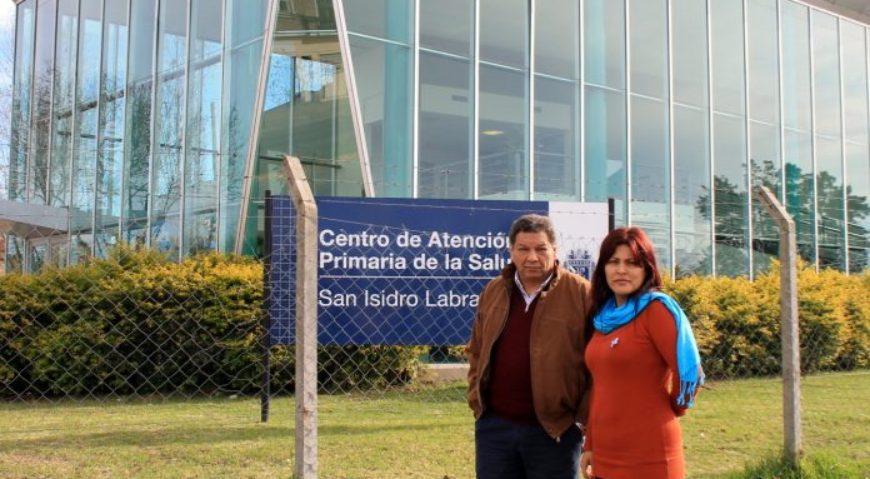 La concejal Lili Aguirre y el concejal Juan Medina –presidente de la comisión de salud del HCD- reclamaron la apertura de la guardia en el CAP de La Cava
