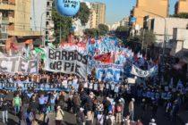 Barrios de Pie en la multitudinaria marcha por Paz, Pan y Trabajo. Rebotes