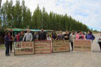 [Plottier] Vecinos colocan carteles y recolectan residuos en China Muerta