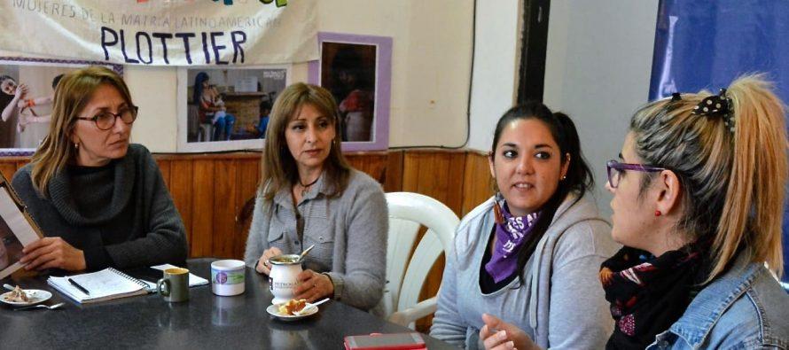 [Plottier] Cintia Peressini y la Concejal Guala en encuentro de mujeres por una ciudad segura