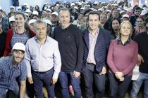 [Mendoza] Cornejo presente en el Encuentro de Barrios de Pie