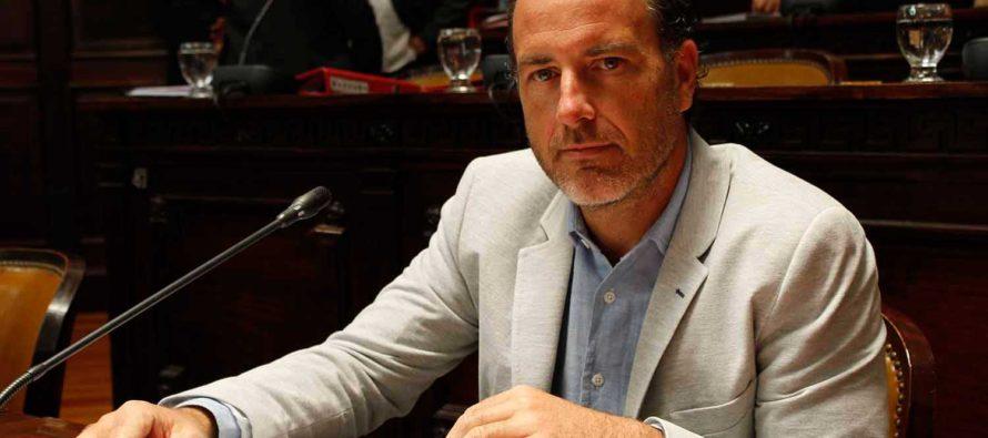 [Mendoza] El Senador Mancinelli rindió homenaje a dos bibliotecarios desaparecidos