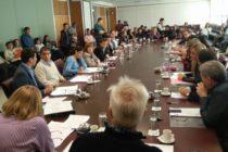 """Escobar: """"Nos vamos a ocupar de los problemas en la escuela 49 de Plaza Huincul"""""""