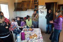 """[Mendoza] """"Mateando en el barrio"""". Karina Ferraris con los vecinos de Las Heras"""