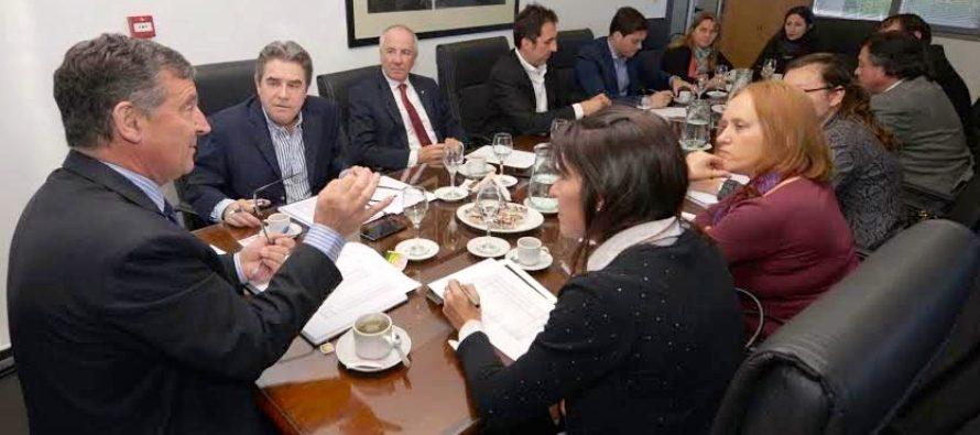 [Mendoza] Cousinet en reunión convocada por el rector de la UNCuyo