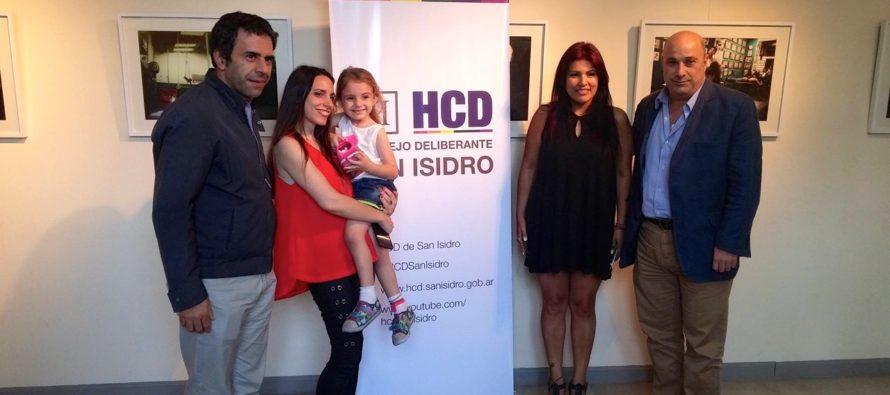 """[San Isidro] Se inauguró """"Fructíferas"""". Maternidad con el rol de mujer productiva."""