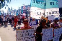 Barrios de Pie se movilizó por mejoras salariales