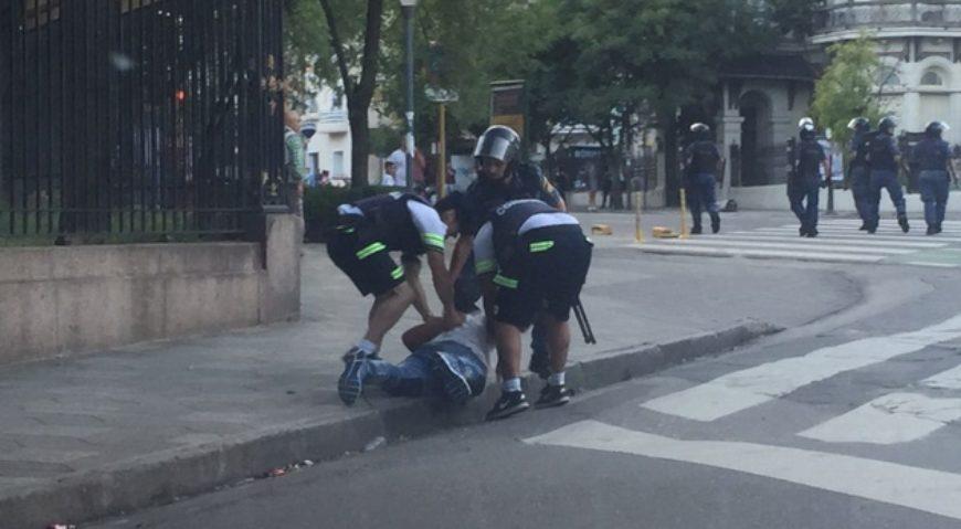 Incidentes en la previa del encendido del Arbolito en Córdoba.