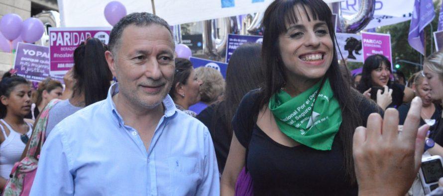 8 M: Ceballos junto a Vicki Donda y Malena Galmarini