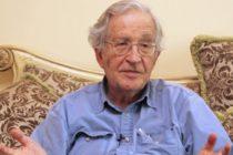 """Chomsky: """"EE UU es el origen del problema del narco"""""""
