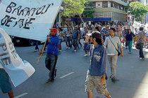 [Neuquén] Barrios de Pie moviliza a casa de gobierno