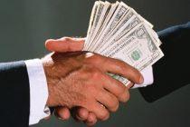 La corrupción recorre el sistema político. Por Humberto Tumini.