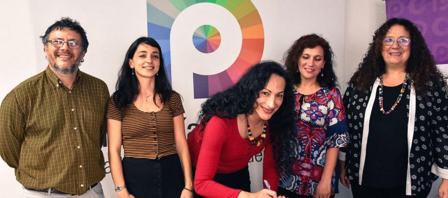 Laura Velasco firmó el compromiso por la Educación Sexual Integral