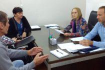 [Mendoza] Cousinet y Mancinelli con ex trabajadores de YPF
