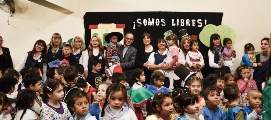 [Chaco] Carlos Martínez celebró el aniversario de la independencia en el jardín Nº 153
