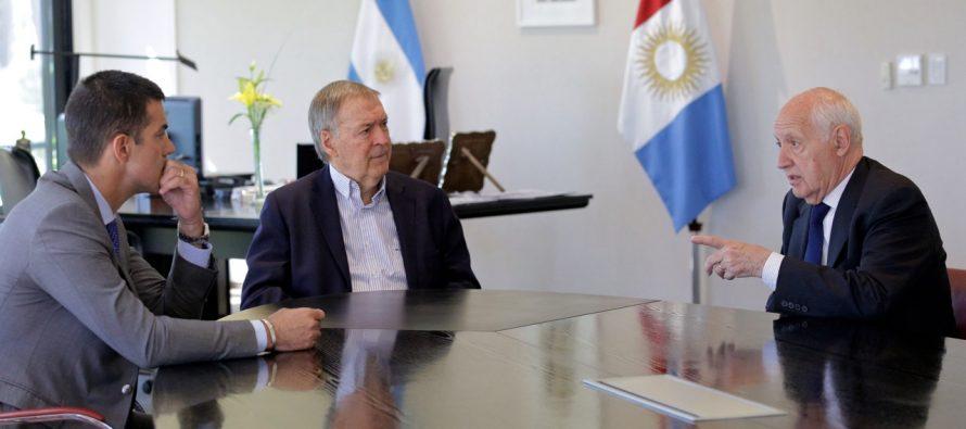 """[Córdoba] """"El gobierno pone a las finanzas antes que a la gente"""". Lavagna y Urtubey con Schiaretti."""