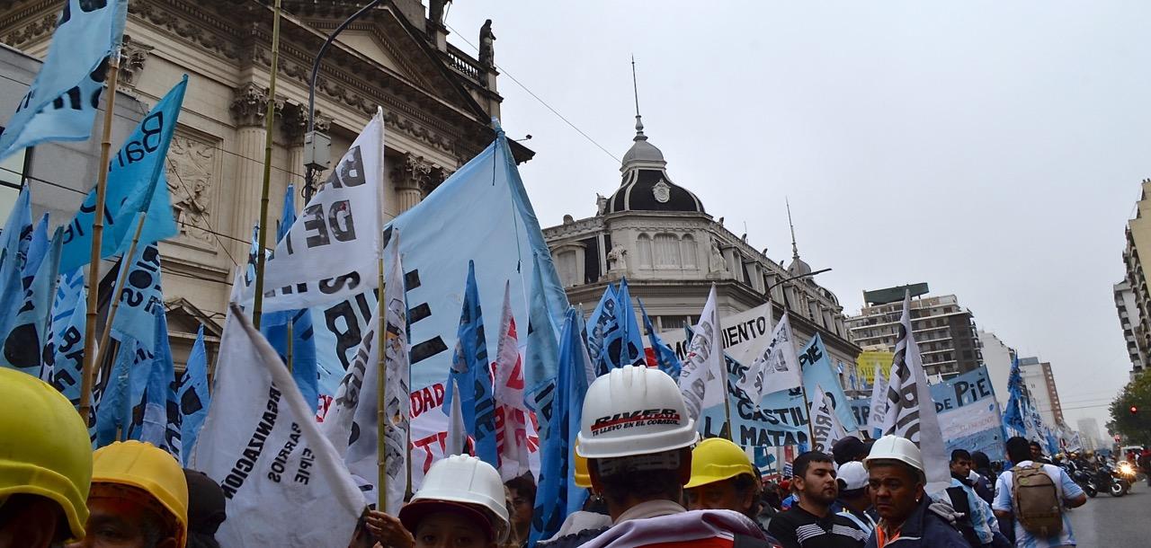 marcha liniers pza mayo1