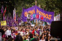 Importante cantidad de organizaciones de mujeres envian solicitud al presidente Fernández.