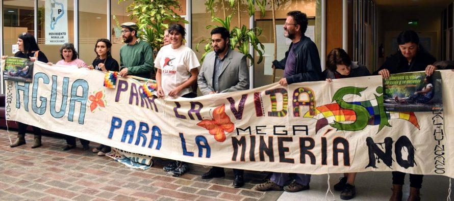 [Neuquén] Asambleas socioambientales exigieron en la Legislatura que se prohíba el uso del agua en la megaminería