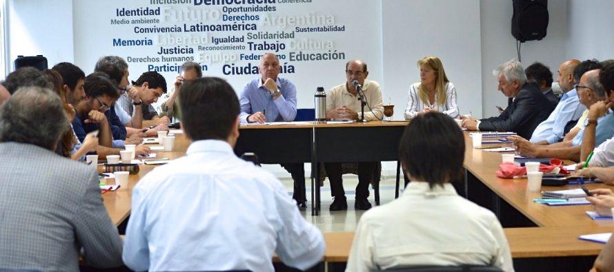 El progresismo piensa en 2019 y reunió intelectuales de todo el país