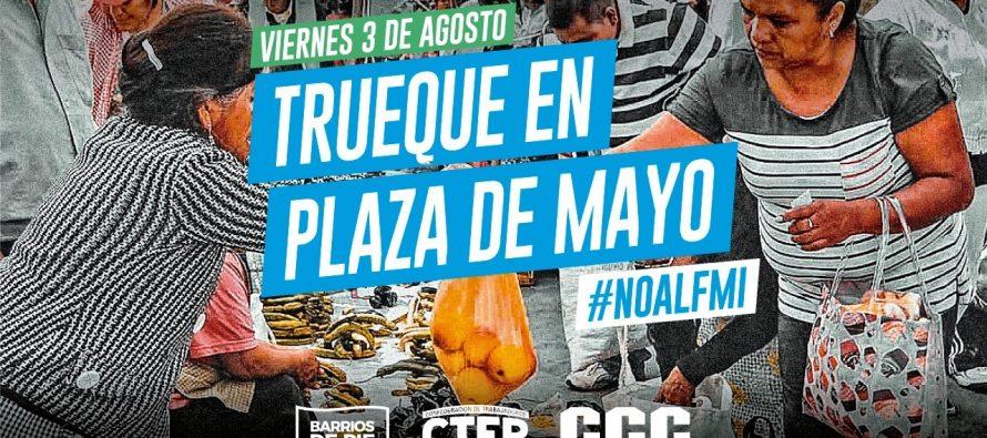Trueque en Plaza de Mayo. Camino a la movilización por Pan y Trabajo.