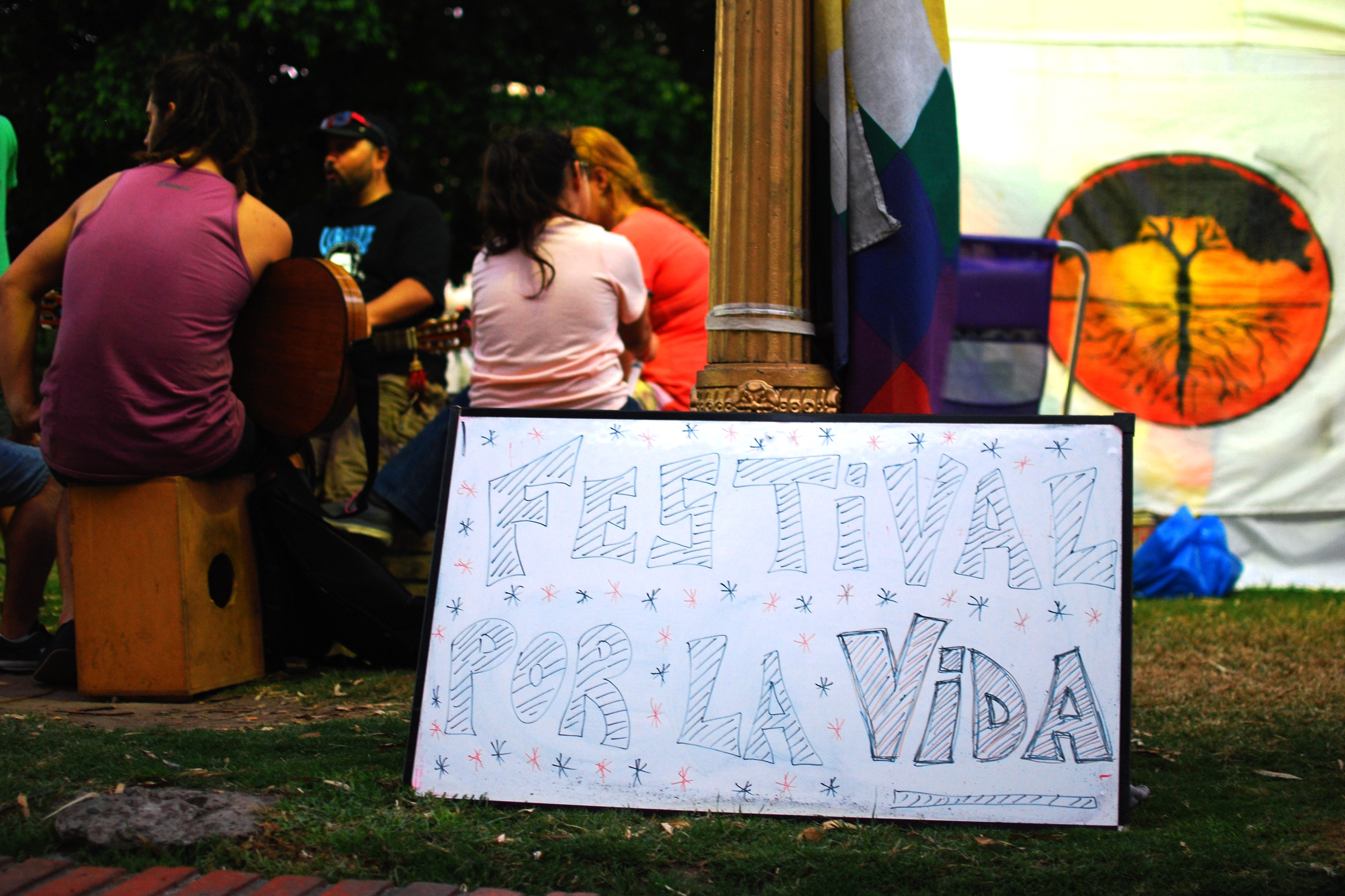Festival en plaza Lavalle por el aniversario de la represión sufrida por la Asamblea El Algarrobo.15 feb 2016. Foto: Paola Olari Ugrotte.-