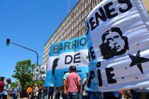 Asamblea de Barrios de Pie y el Frente de Organizaciones Piqueteras frente a la Anmat
