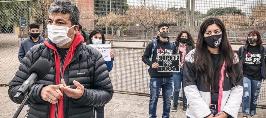 """Jesús Escobar: """"El gobierno tiene que garantizar la conectividad a estudiantes de todos los niveles"""""""