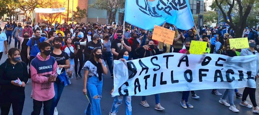 [Chaco] Jóvenes de Pie marchó por el Día de Acción contra el Gatillo Fácil.