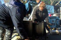 Barrios de Pie realizó ollas populares frente al Banco Central