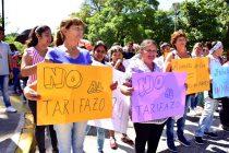 [Tucumán] Protesta en la sede central de EDET por los nuevos aumentos