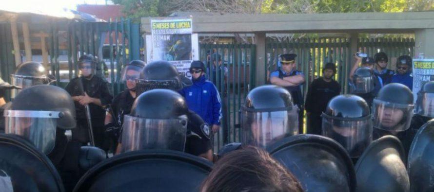[Neuquén] Barrios de Pie repudia la represión a trabajadores de MAM